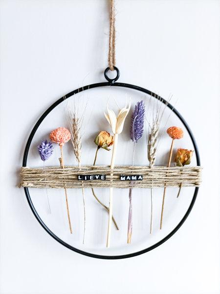 droogbloemen krans met touw en tekst